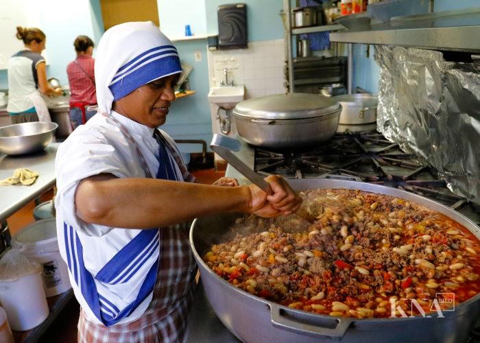 Suppenküche der Mutter-Teresa-Schwestern - Mediendatenbank